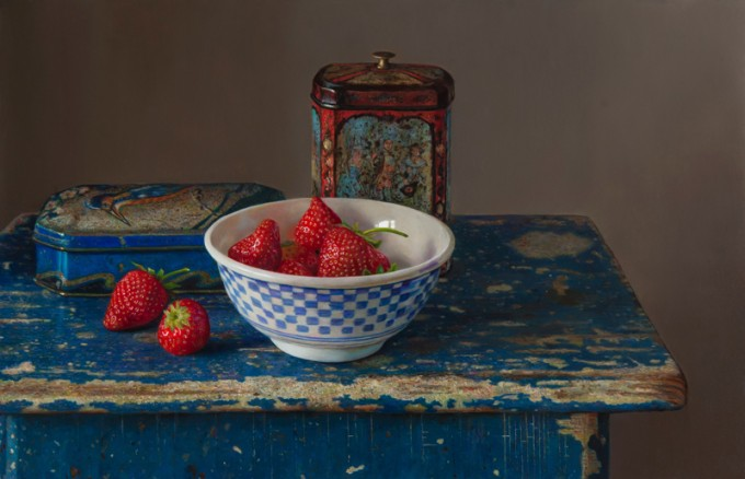 Aardbeien en theeblikje