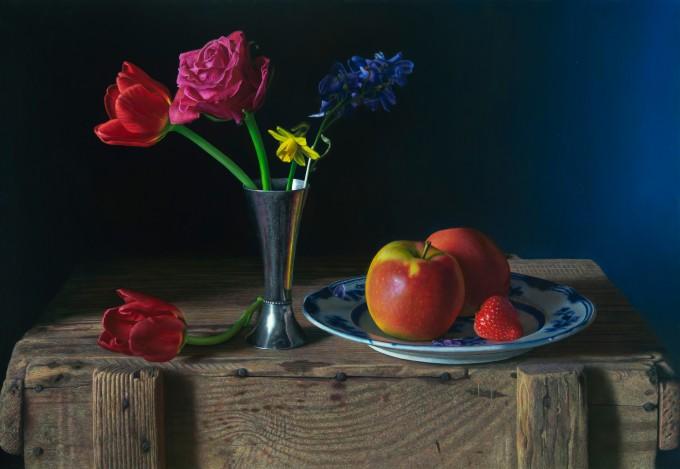Bloemen in blauwe kamer